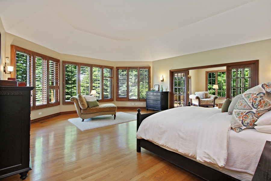Real Estate Photography - 559 Oak Knoll Rd, Barrington Hills, IL, 60010 - Master Bedroom