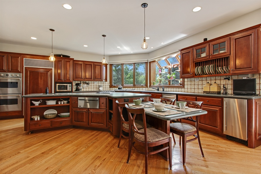 Real Estate Photography - 559 Oak Knoll Rd, Barrington Hills, IL, 60010 - Kitchen