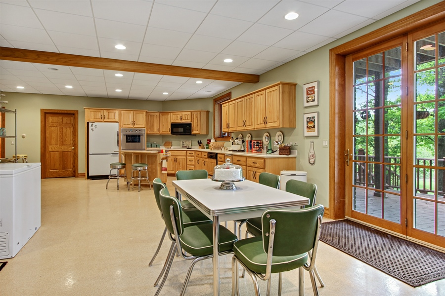 Real Estate Photography - 559 Oak Knoll Rd, Barrington Hills, IL, 60010 - Lower Level / 2nd Kitchen