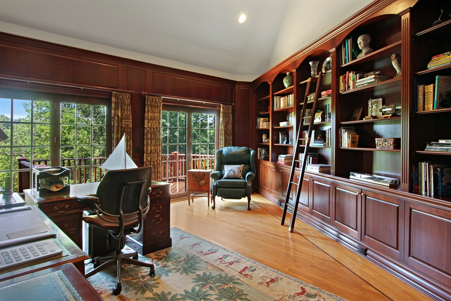 Real Estate Photography - 559 Oak Knoll Rd, Barrington Hills, IL, 60010 - Library