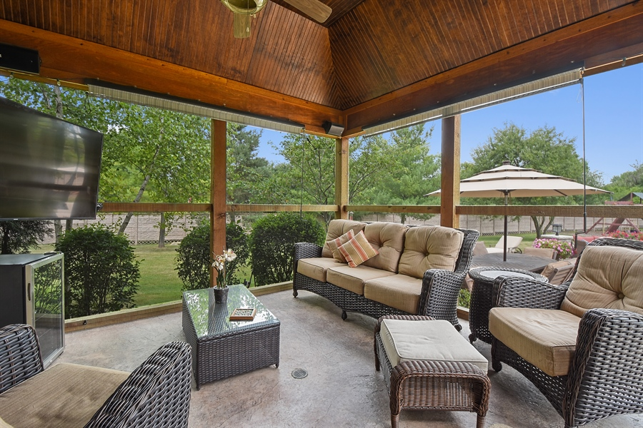 Real Estate Photography - 24215 N Coneflower Drive, Lake Barrington, IL, 60010 - Screened Porch