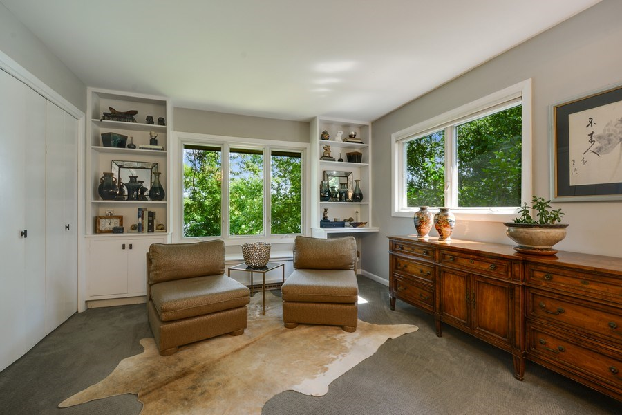 Real Estate Photography - 124 South Hills, Tower Lakes, IL, 60010 - Sitting Area, Master Bedroom