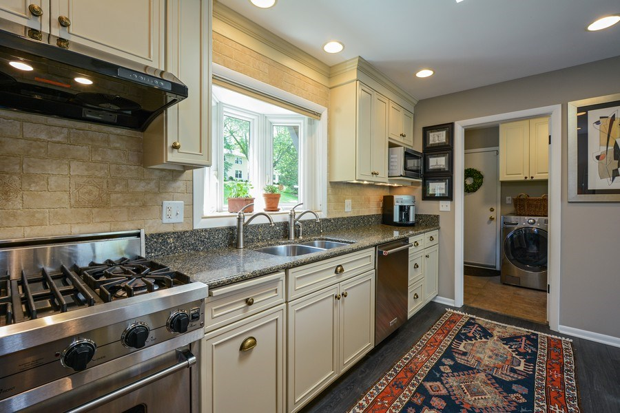 Real Estate Photography - 124 South Hills, Tower Lakes, IL, 60010 - Kitchen