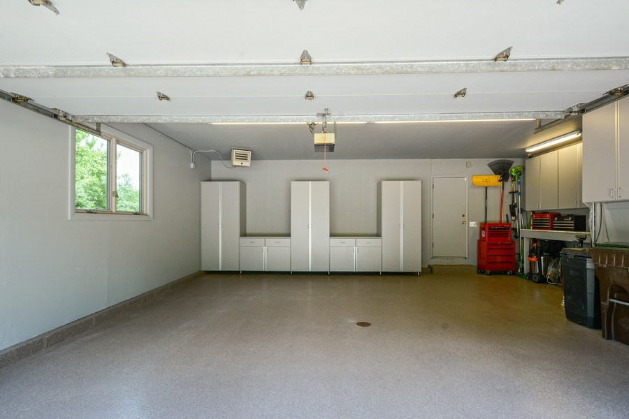 Real Estate Photography - 124 South Hills, Tower Lakes, IL, 60010 - Garage