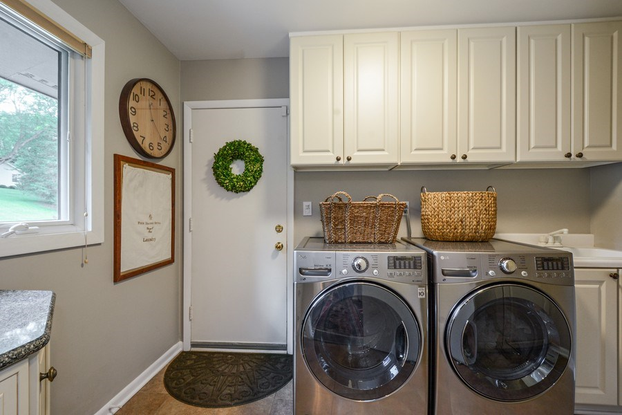 Real Estate Photography - 124 South Hills, Tower Lakes, IL, 60010 - Laundry Room