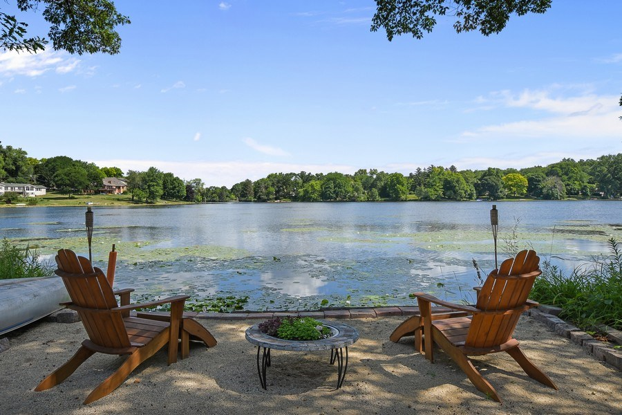 Real Estate Photography - 124 South Hills, Tower Lakes, IL, 60010 - Lake View