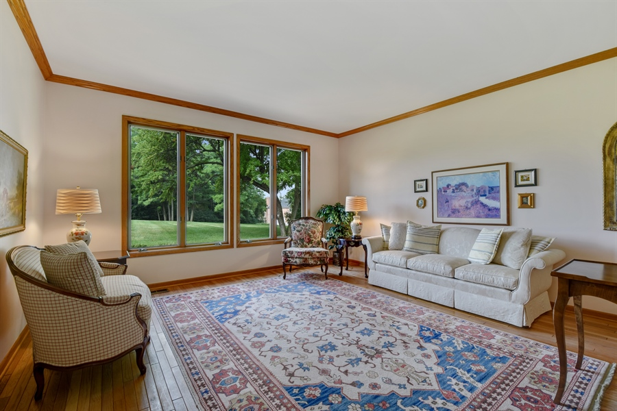 Real Estate Photography - 7 Mohawk Court, South Barrington, IL, 60010 - Living Room
