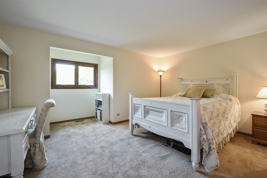 Real Estate Photography - 7 Mohawk Court, South Barrington, IL, 60010 - 2nd Bedroom