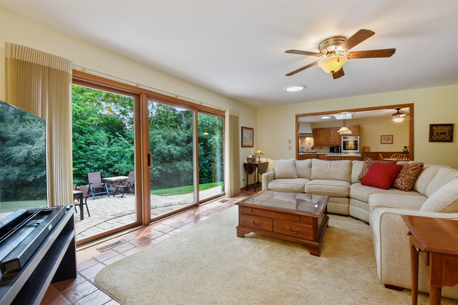 Real Estate Photography - 7 Mohawk Court, South Barrington, IL, 60010 - Family Room