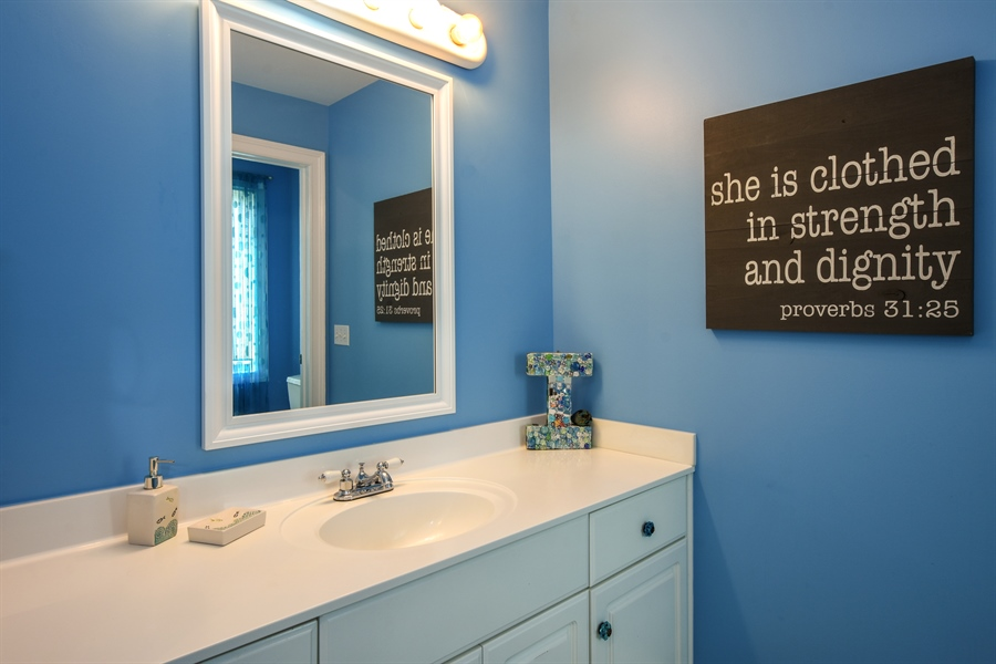 Real Estate Photography - 50 Whitetail Lane, Barrington, IL, 60010 - Full Bath, Ensuite 2nd Bedroom