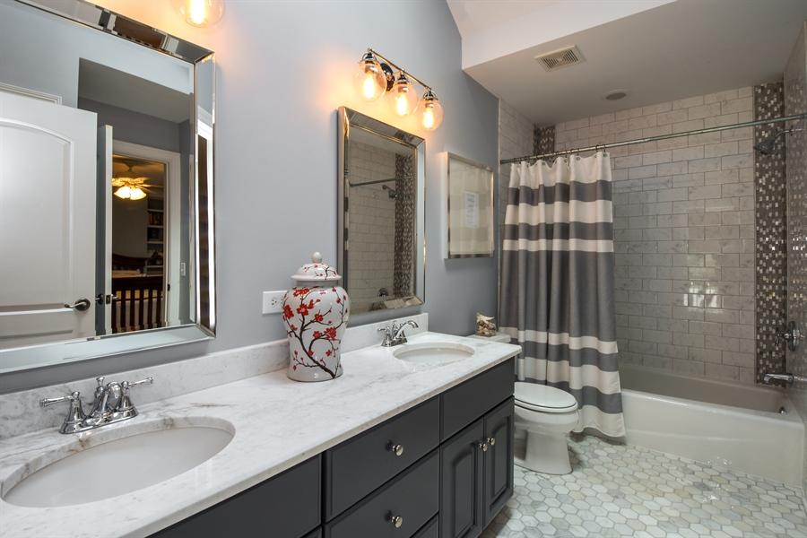Real Estate Photography - 50 Whitetail Lane, Barrington, IL, 60010 - Full Hall Bath, 2nd Level