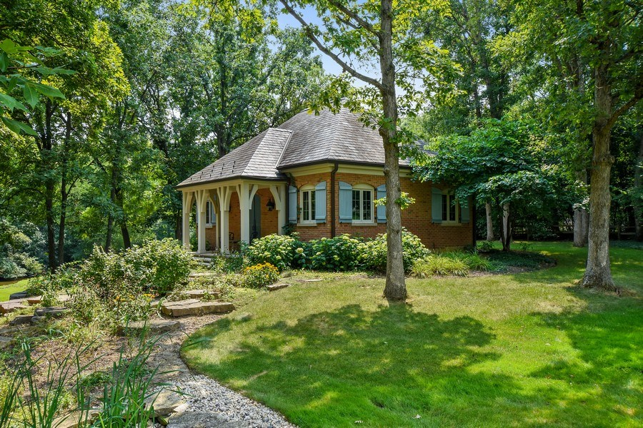 Real Estate Photography - 87 Hawley Woods Rd, Barrington Hills, IL, 60010 - Garden House (2+ garage space)