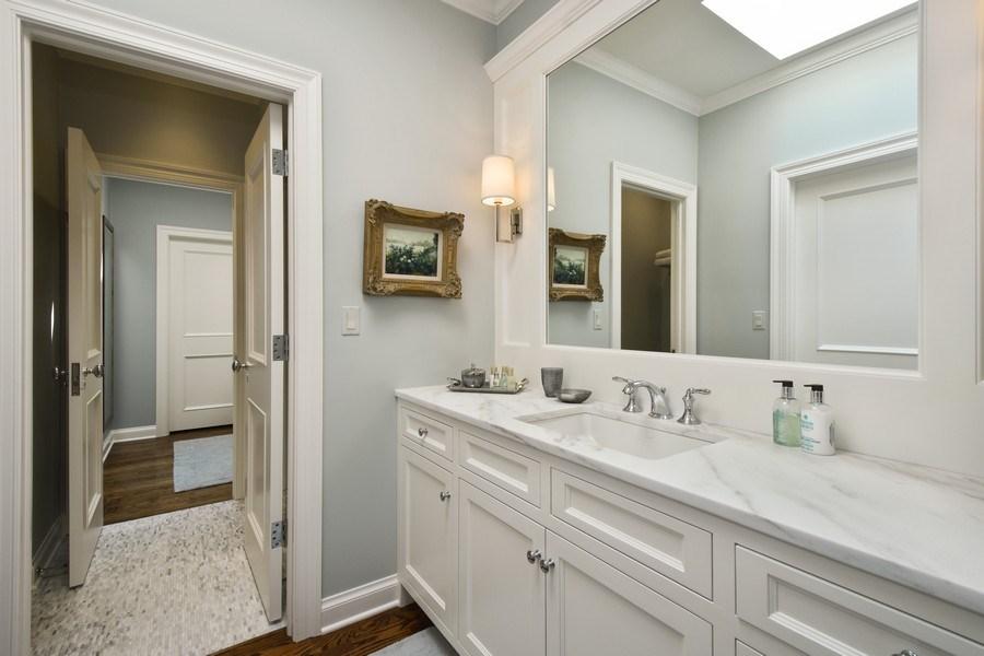Real Estate Photography - 87 Hawley Woods Rd, Barrington Hills, IL, 60010 - Jack & Jill Bath