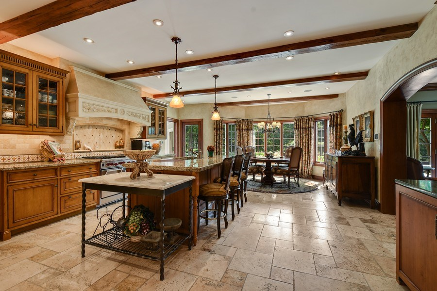 Real Estate Photography - 87 Hawley Woods Rd, Barrington Hills, IL, 60010 - Kitchen / Breakfast Room