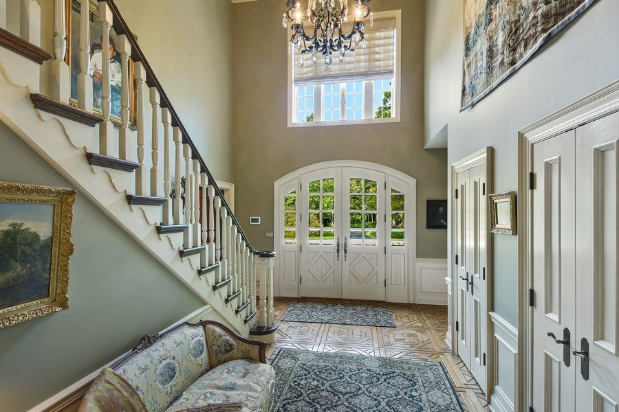Real Estate Photography - 87 Hawley Woods Rd, Barrington Hills, IL, 60010 - Foyer