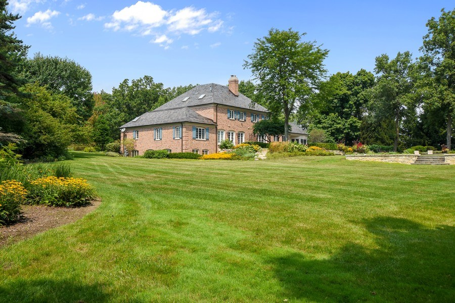 Real Estate Photography - 87 Hawley Woods Rd, Barrington Hills, IL, 60010 - Side View