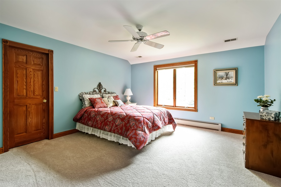 Real Estate Photography - 120 Dunrovin Dr, Barrington Hills, IL, 60010 - 2nd Bedroom