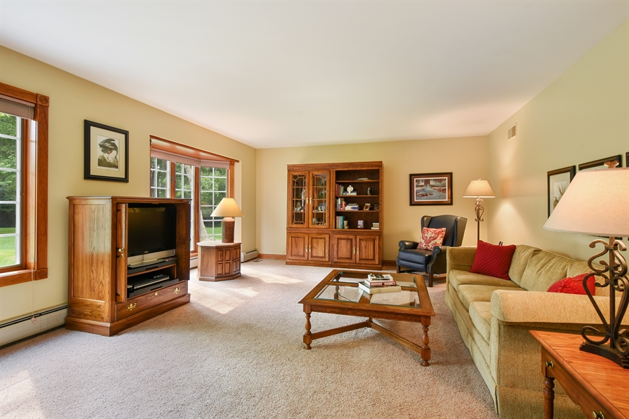 Real Estate Photography - 120 Dunrovin Dr, Barrington Hills, IL, 60010 - 2nd Master Bedroom (Main Level)