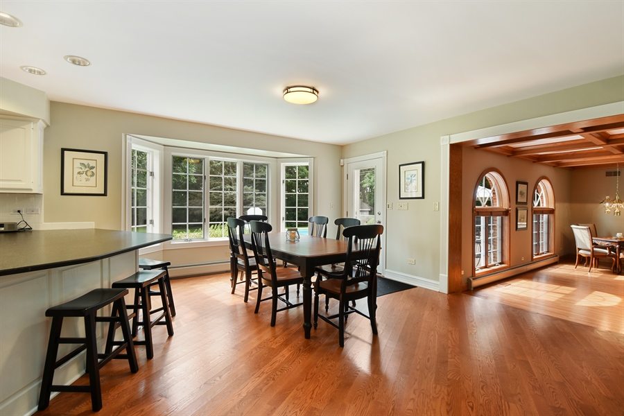Real Estate Photography - 120 Dunrovin Dr, Barrington Hills, IL, 60010 - Breakfast Area