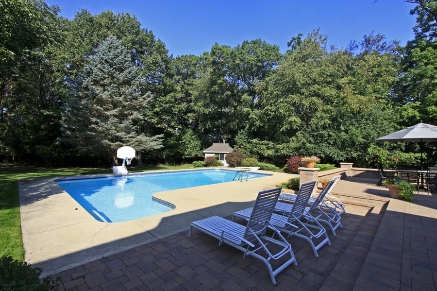 Real Estate Photography - 120 Dunrovin Dr, Barrington Hills, IL, 60010 - Pool