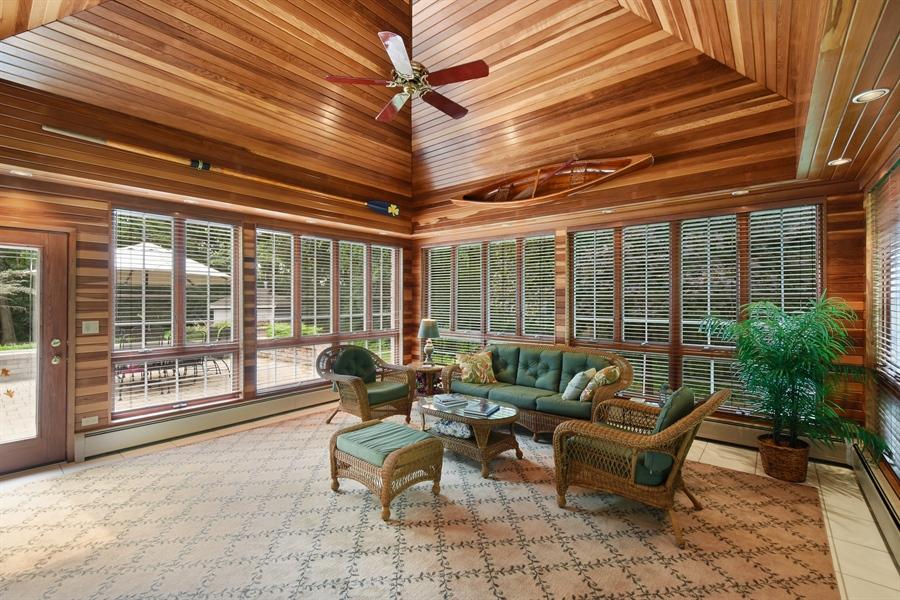 Real Estate Photography - 120 Dunrovin Dr, Barrington Hills, IL, 60010 - Sun Room