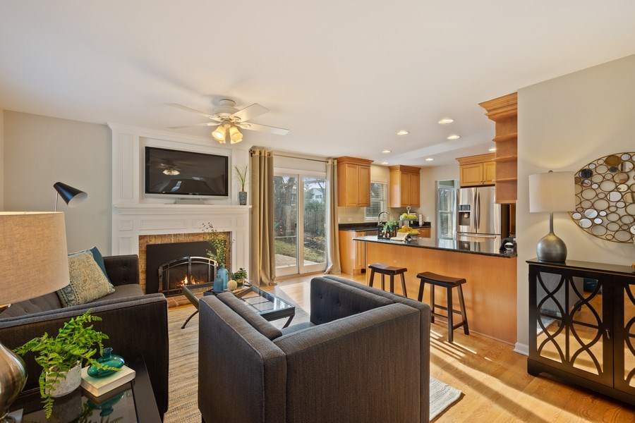 Real Estate Photography - 819 Meadow Lane, Barrington, IL, 60010 - Family Room