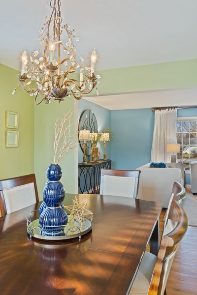 Real Estate Photography - 819 Meadow Lane, Barrington, IL, 60010 - Dining Room