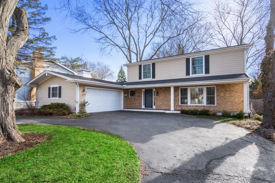 Real Estate Photography - 819 Meadow Lane, Barrington, IL, 60010 - Front View
