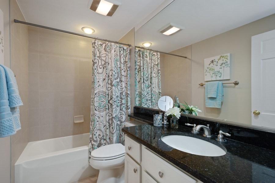 Real Estate Photography - 819 Meadow Lane, Barrington, IL, 60010 - 2nd Level Hall Bath