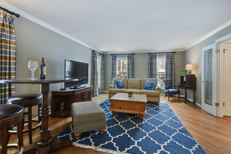 Real Estate Photography - 510 Shady Lane, Barrington, IL, 60010 - Living Room