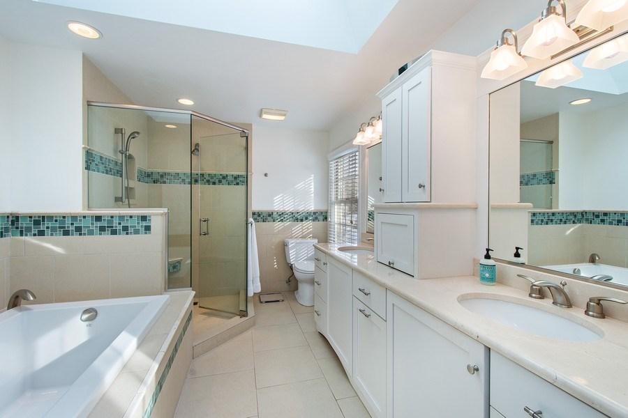 Real Estate Photography - 425 W. Sunset Rd., Barrington, IL, 60010 - Master Bathroom