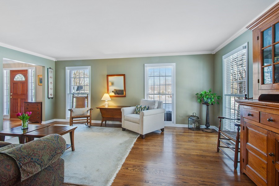 Real Estate Photography - 425 W. Sunset Rd., Barrington, IL, 60010 - Living Room