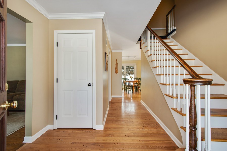 Real Estate Photography - 425 W. Sunset Rd., Barrington, IL, 60010 - Foyer