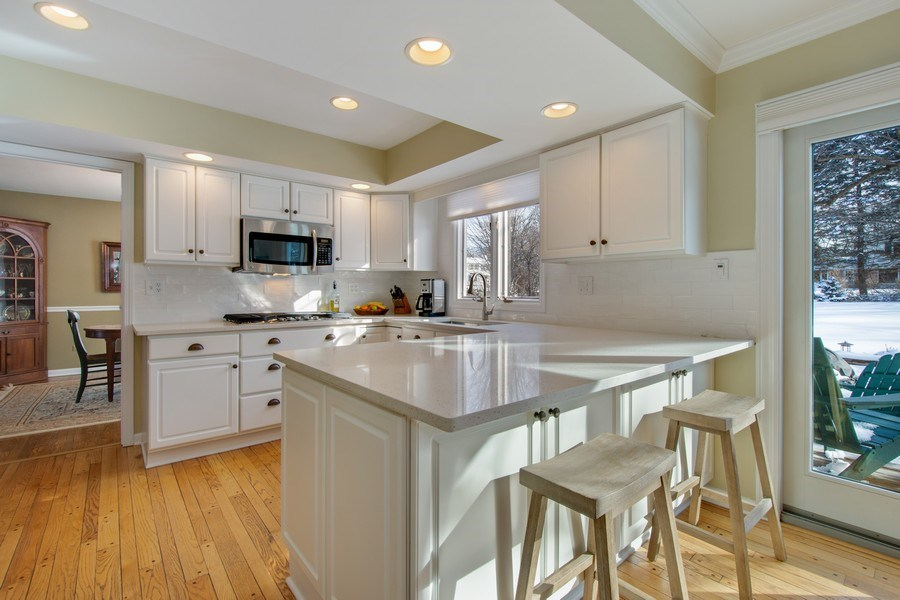 Real Estate Photography - 425 W. Sunset Rd., Barrington, IL, 60010 - Kitchen