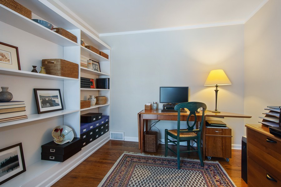 Real Estate Photography - 425 W. Sunset Rd., Barrington, IL, 60010 - Office