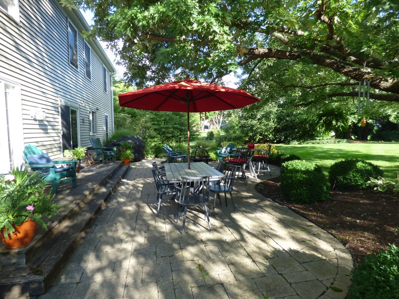 Real Estate Photography - 425 W. Sunset Rd., Barrington, IL, 60010 - Patio