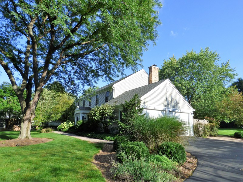 Real Estate Photography - 425 W. Sunset Rd., Barrington, IL, 60010 - Side View
