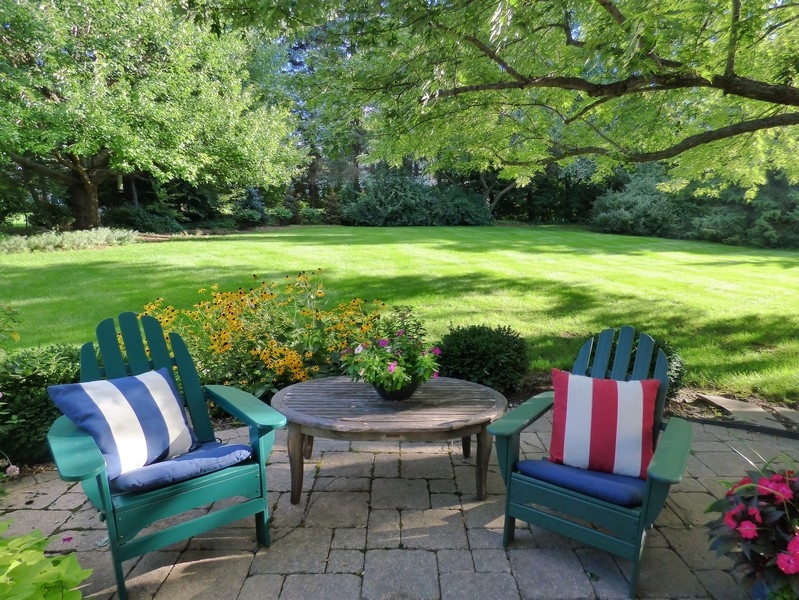 Real Estate Photography - 425 W. Sunset Rd., Barrington, IL, 60010 - Patio & Backyard view