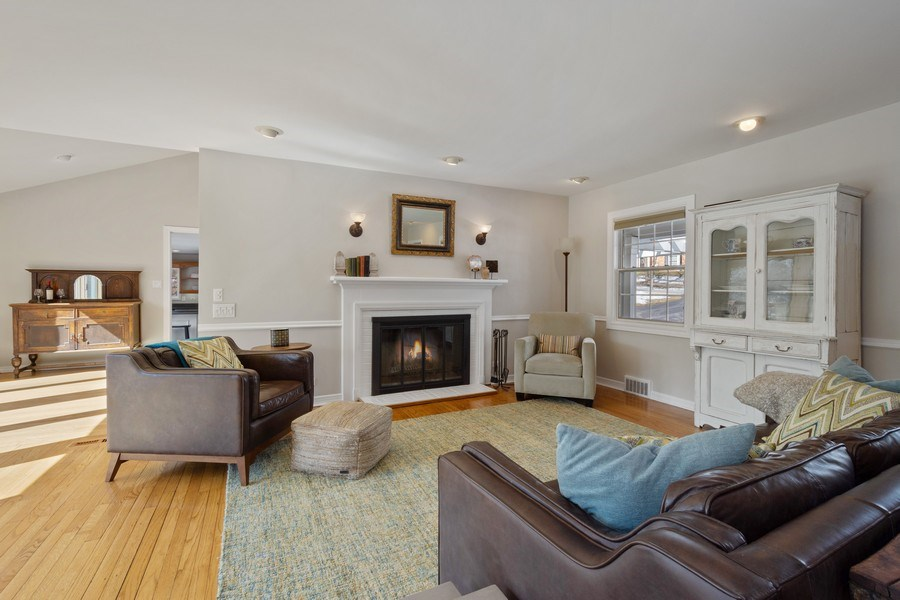 Real Estate Photography - 475 Brookside, North Barrington, IL, 60010 - Living Room
