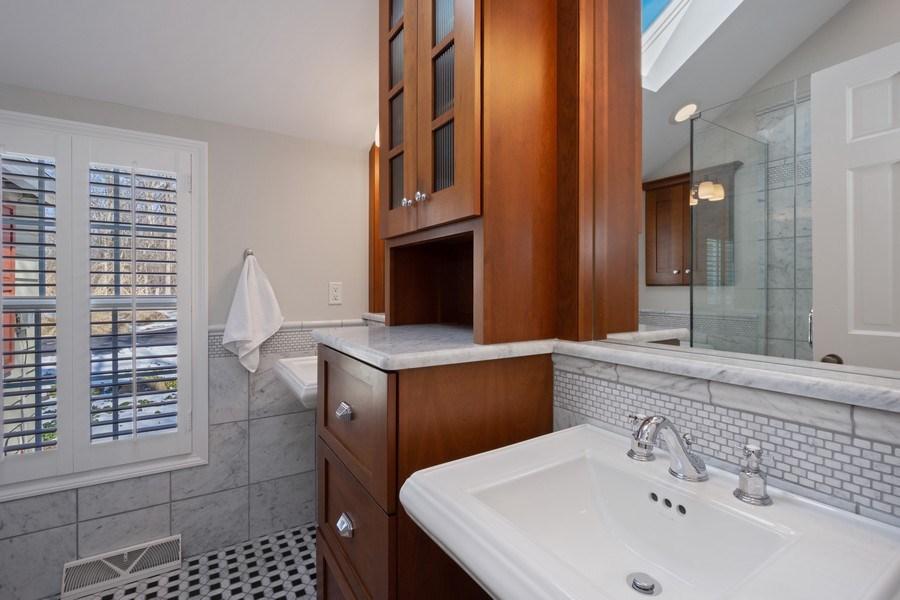 Real Estate Photography - 475 Brookside, North Barrington, IL, 60010 - Bathroom