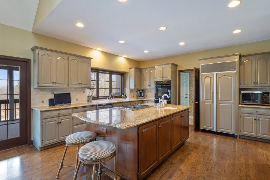 Real Estate Photography - 246 Oak Knoll Rd., Barrington HIlls, IL, 60010 - Kitchen