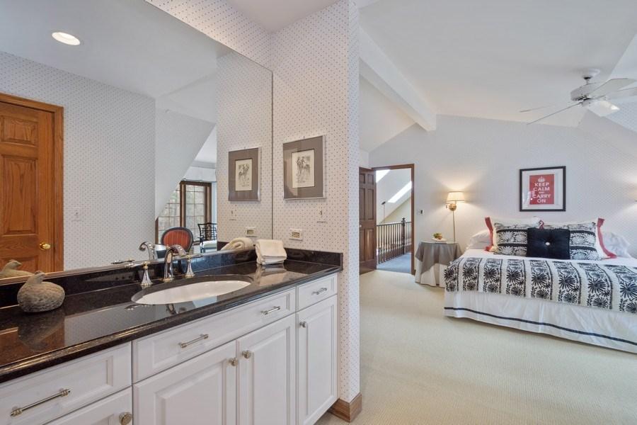 Real Estate Photography - 246 Oak Knoll Rd., Barrington HIlls, IL, 60010 - 2nd Bathroom
