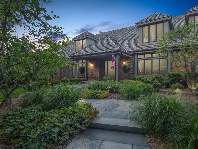 Real Estate Photography - 246 Oak Knoll Rd., Barrington HIlls, IL, 60010 - Front entry