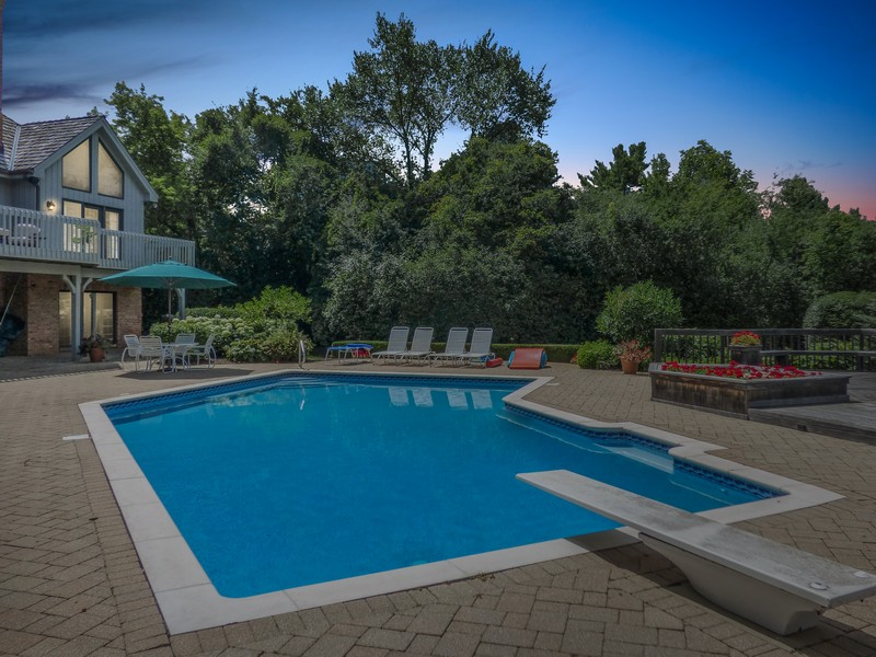 Real Estate Photography - 246 Oak Knoll Rd., Barrington HIlls, IL, 60010 - Pool view