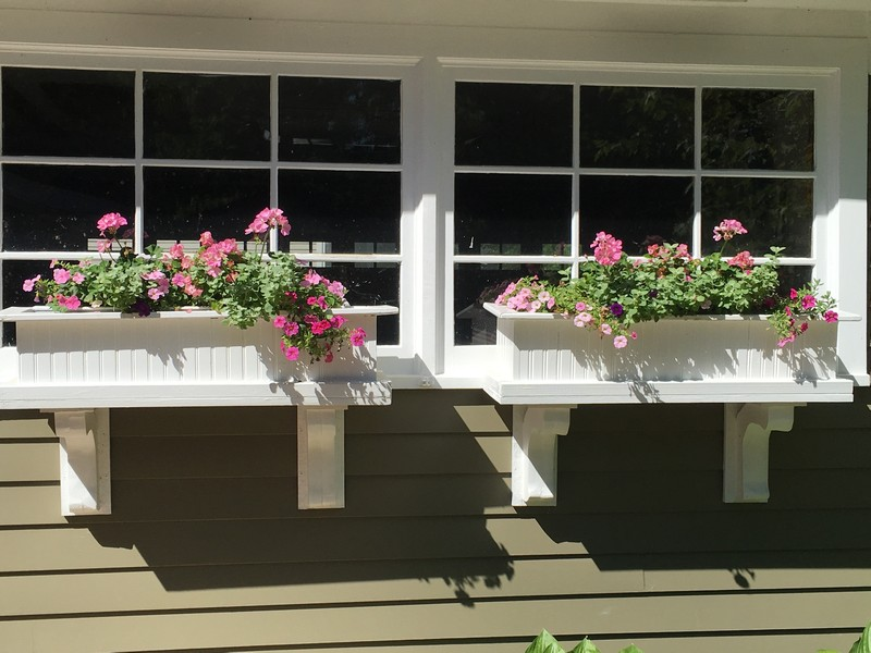Real Estate Photography - 506 Elm Road, Barrington, IL, 60010 - Summer Window Boxes