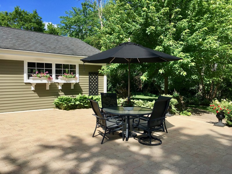 Real Estate Photography - 506 Elm Road, Barrington, IL, 60010 - Patio