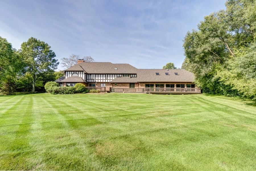 Real Estate Photography - 11 Corey Drive, South Barrington, IL, 60010 - Exterior Back