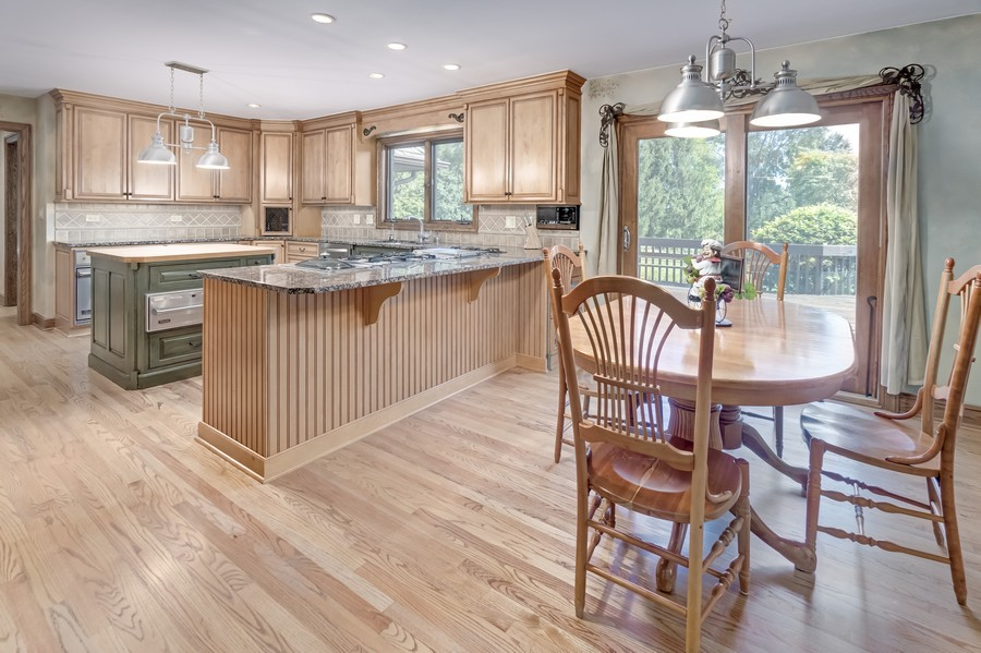Real Estate Photography - 11 Corey Drive, South Barrington, IL, 60010 - Eating Area/Kitchen
