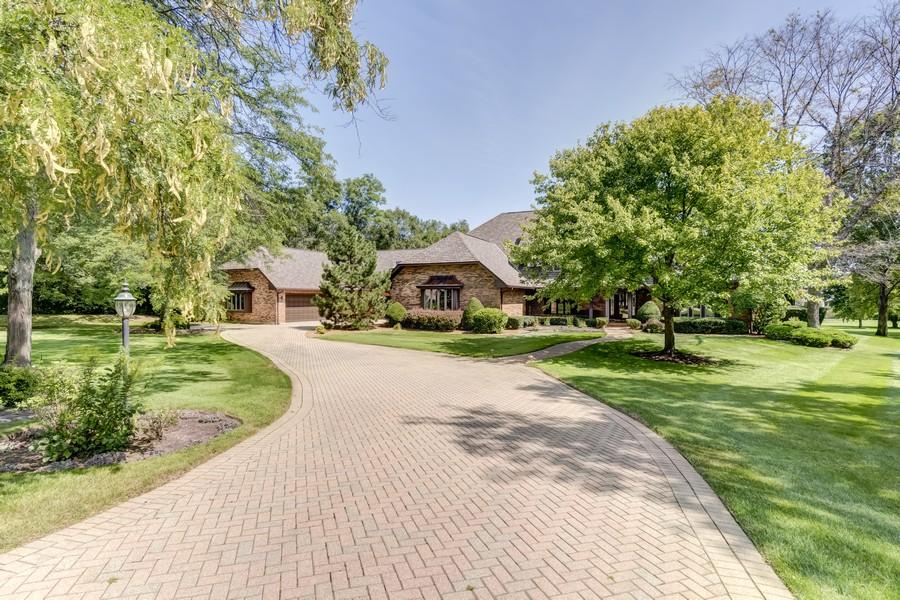 Real Estate Photography - 11 Corey Drive, South Barrington, IL, 60010 - Exterior Front