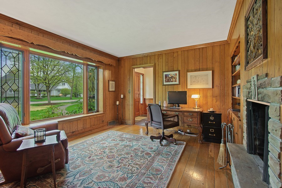 Real Estate Photography - 243 Linden Road, Barrington, IL, 60010 - Office